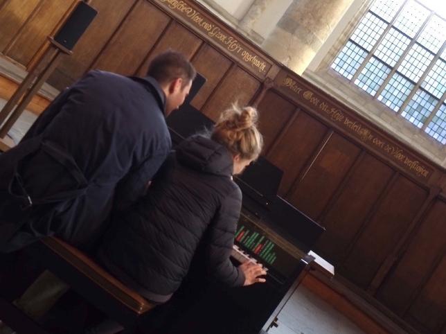 Oude Kerk Couple photo by Schönmaier